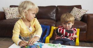 Jak mluvit s dětmi o špatném chování