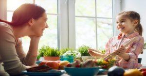 Jak naučit vaše děti odpovědným stravovacím návykům