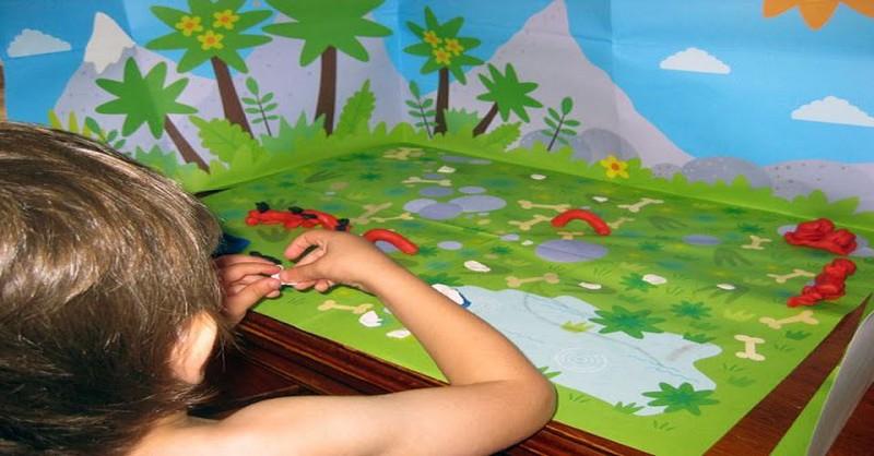 Nechte je míchat: Proč by si děti měly hrát s plastelínou