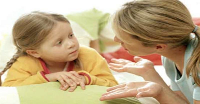 Když děti nechtějí mluvit o tom, jak bylo ve škole, položte jim těchto 21 otázek