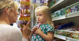 Proč vaše děti během nakupování v supermarketu vždy něco chtějí