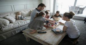 Proč se musíme hrát se svými dětmi, i když se nám často nechce