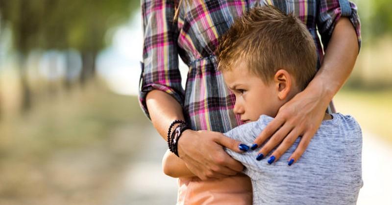 Jak ztratit dětství: Největší chyba rodičů, která ukradne dětem to nejcennější