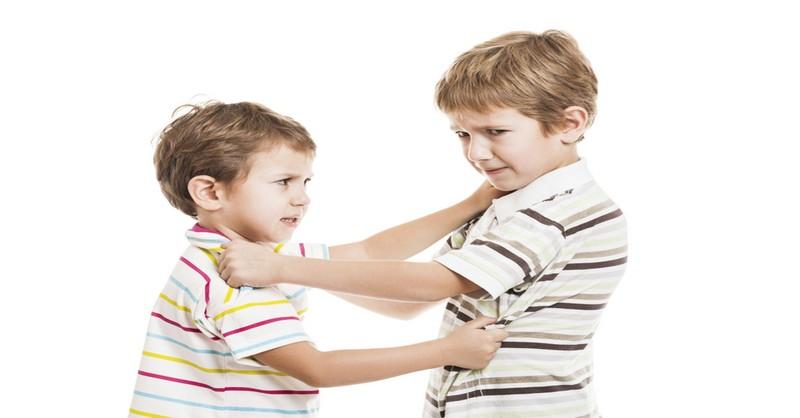 5 způsobů, jak zastavit sourozeneckou rivalitu u vašich dětí
