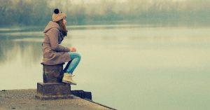 Moje dcera nemá žádné přátele ve škole: Když teenager nezapadne