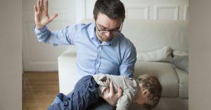 Vědecky potvrzeno: Děti, kterým rodiče neváhají uštědřit výprask, jsou v dospělosti násilnické