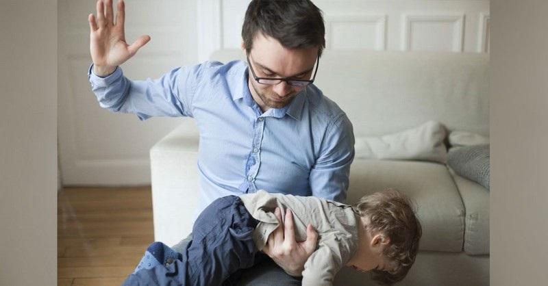 Vědecky potvrzeno: Děti, jejichž rodiče používají k trestání výprask, jsou v dospělosti násilnické
