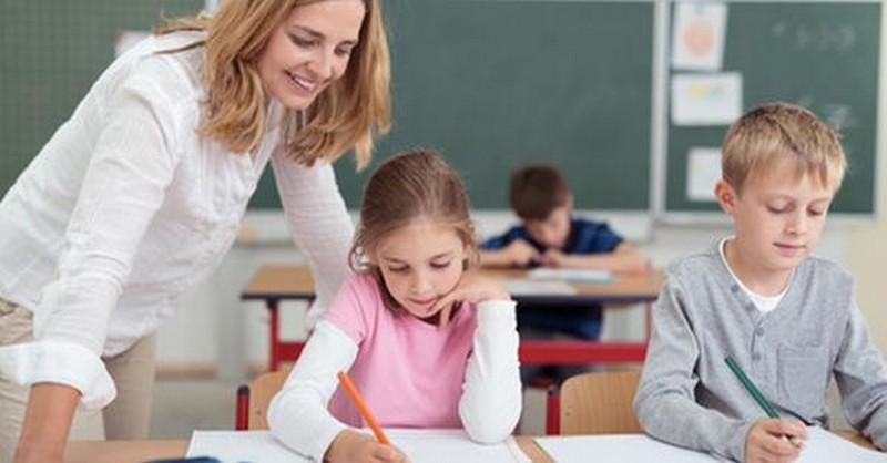 Nespoléhejte se na učitele, že z vašich dětí vychovají hodné lidi! To by měli mít na starosti rodiče