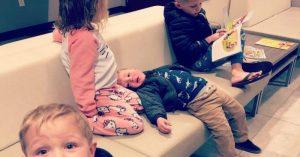Vychovávaní dětí bez pomoci příbuzných je někdy nanic