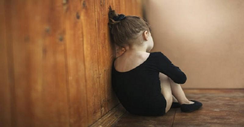 Odmítavý postoj rodičů (zejména táty) a jeho negativní vliv na dítě
