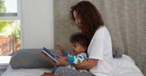 Proč je důležité dítěti číst tytéž knihy pořád dokola