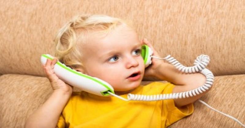 Jak přimět malé dítě k tomu, aby začalo mluvit