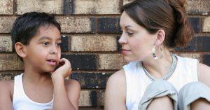 """Jak pomoci plachému dítěti najít ve škole """"své místo"""""""